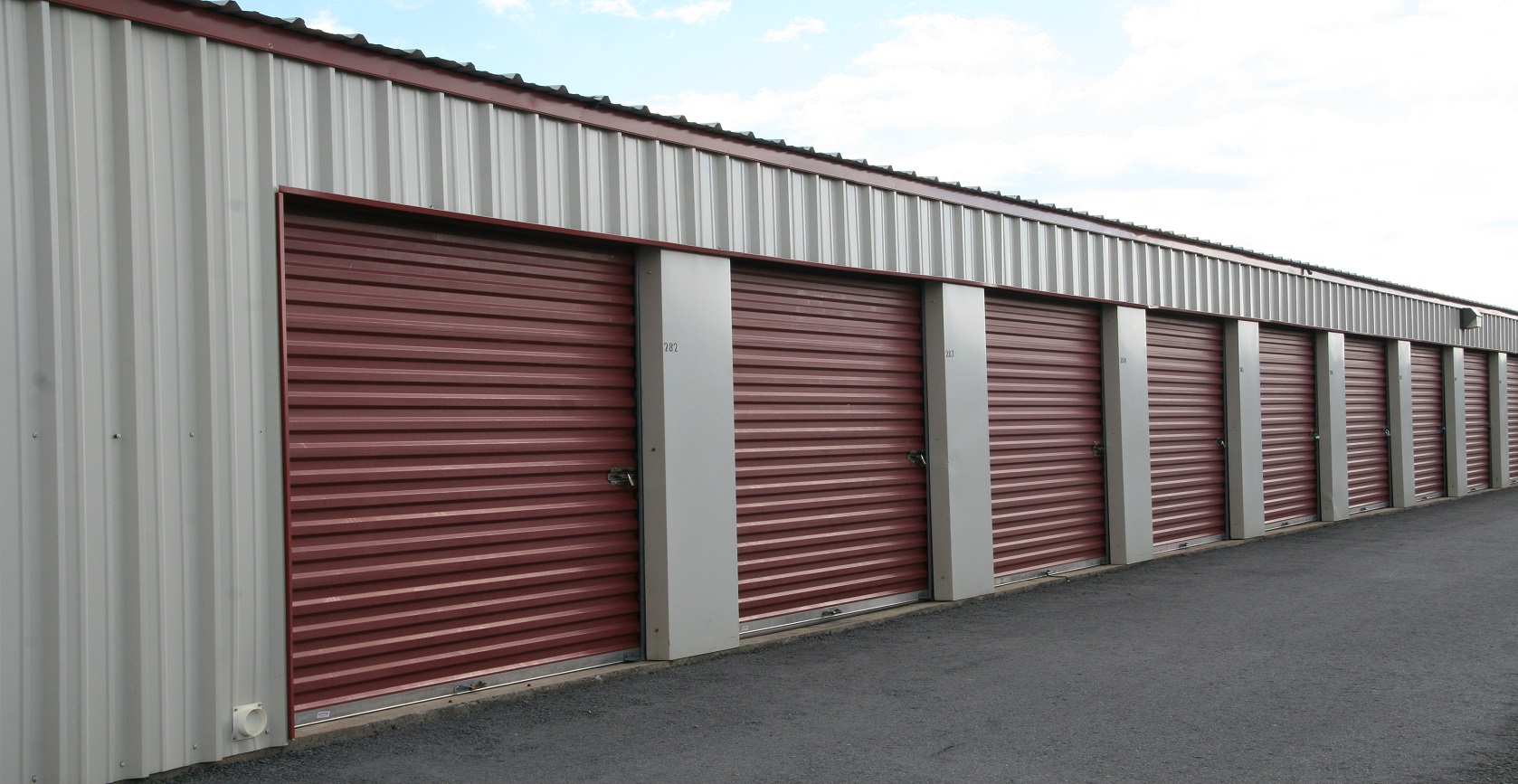 Storage facilities for sale best storage design 2017 for Outside storage units for sale